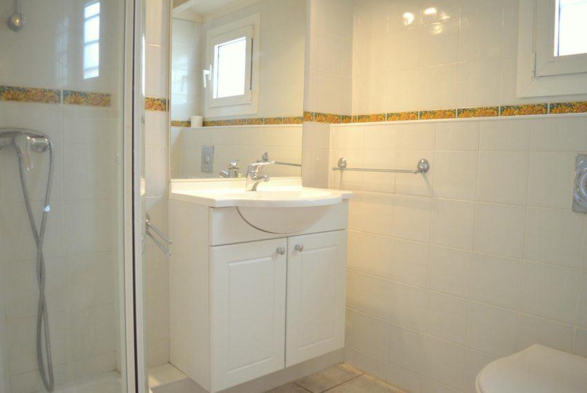 pl010-049-salle-de-bain_low