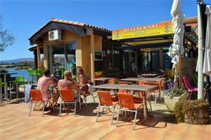 Vue du restaurant d'Aphrodite village : location vacances naturiste à Leucate